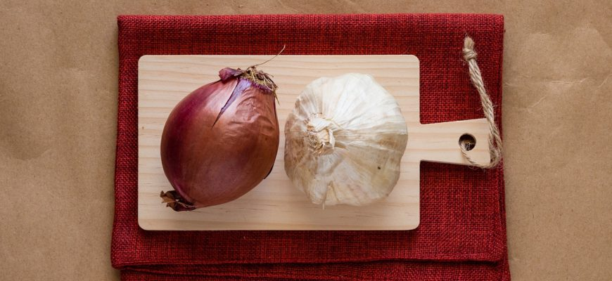 Onion Garlic Food Vegetables  - Wounds_and_Cracks / Pixabay